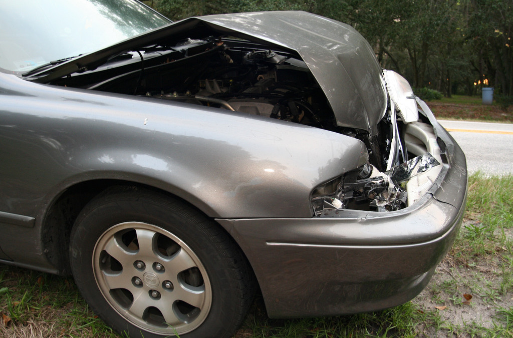 What are the Best Ways To Repair A Broken Windshield?